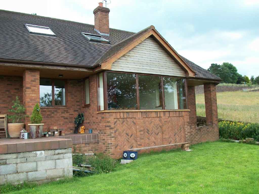 Replacement double glazed units in timber frames